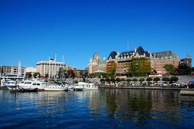 Canada Touring Holidays By Rail Amp Coach Trafalgar Tours 14 Days