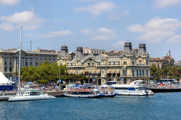 Christmas and new year on spanish coast for Overnight stay in paris
