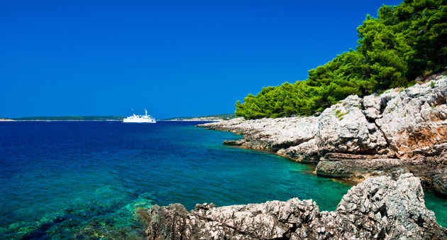 Coastal cruising along the Dalmatian Coast from Dubrovnik