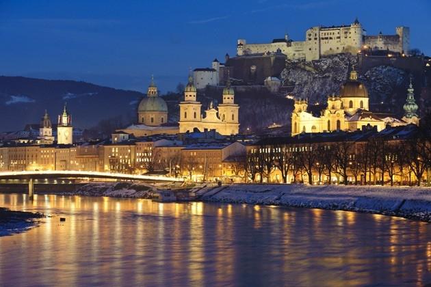 Christmas In Austria Holidays.Christmas Coach Holidays Christmas In Austria Scenic Trains