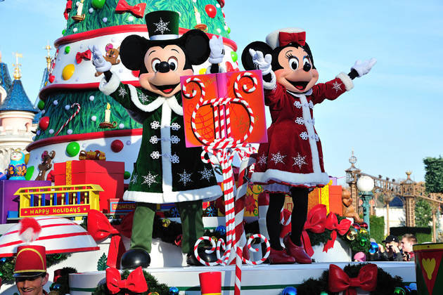 Disneyland Paris Christmas Short Breaks | Coach Trips Disneyland ...